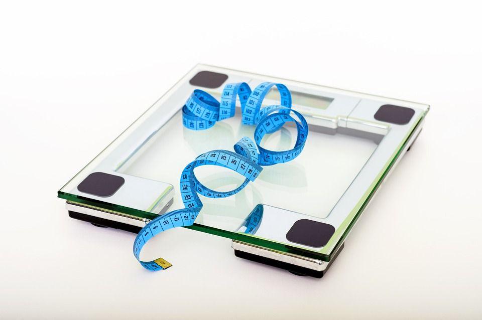 waga przy odchudzaniu pokazuje za dużo?