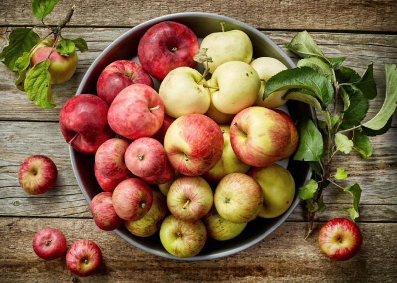 jabłka są zdrowe i wartościowe, warto je jeść